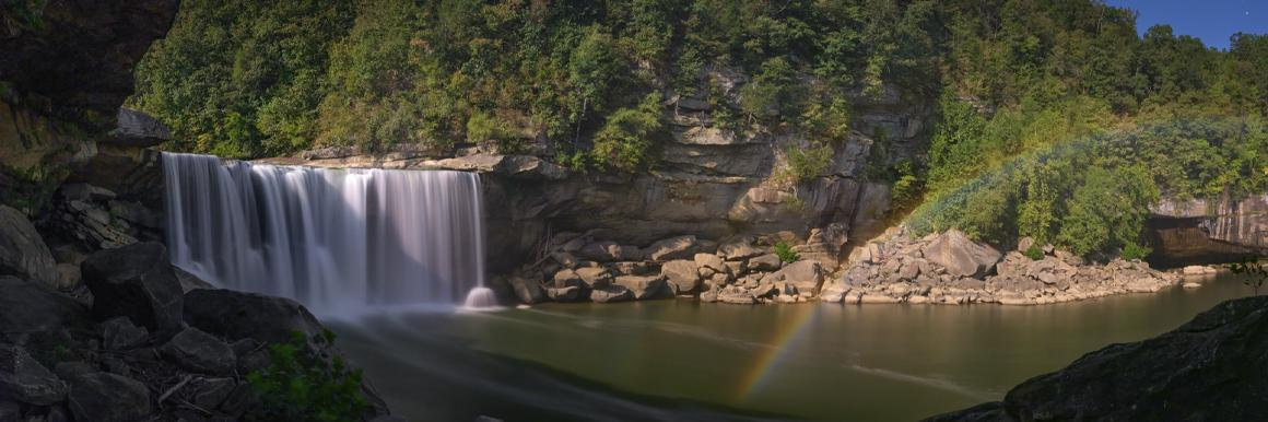 Cumberland Falls with rainbow