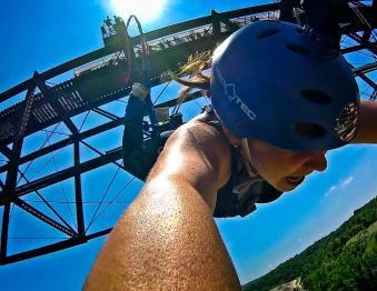 Vertigo Bungee Jumping Photo