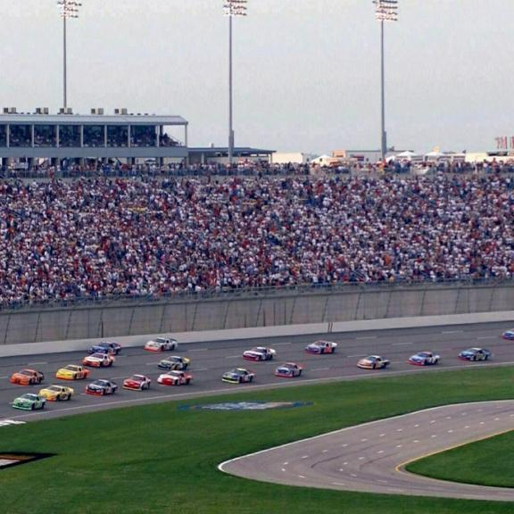 Kentucky Speedway with full stands