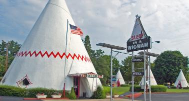 Picture of a Wigwam-style hotel in Kentucky