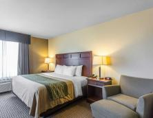 Rooms at Comfort Inn & Suites Madisonville Photo
