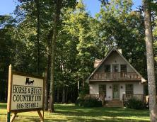 Horse & Buggy Country Inn Bed & Breakfast Photo