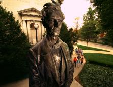 Statue of Abraham Lincoln Photo