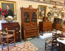 Loch Lea Antiques Photo