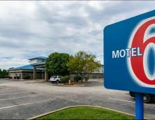Motel 6 Walton Photo
