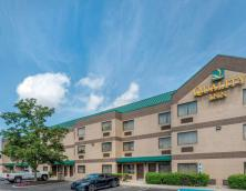 Quality Inn & Suites (Louisville)  Photo