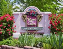 Rose of the Lake Bed & Breakfast Photo
