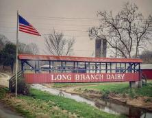 The Farm at Long Branch Lodging and Venue Photo