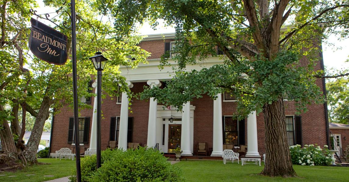 Exterior view of the historic Beaumont Inn in Harrodsburg, Kentucky