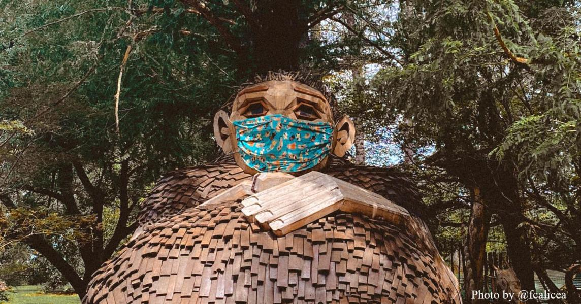 Bernheim Giants with mask