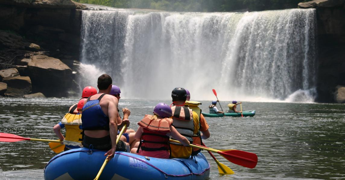 group rafting close to cumberland falls